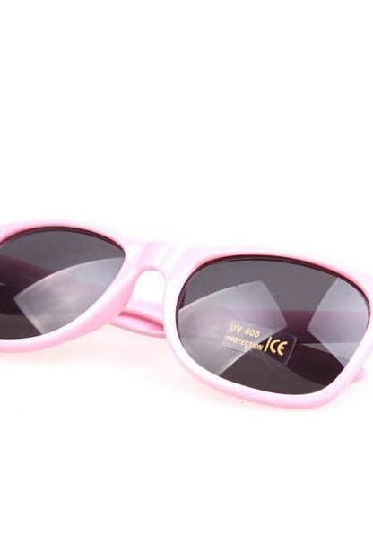 Summer wayfarer beach club pink retro sunglasses