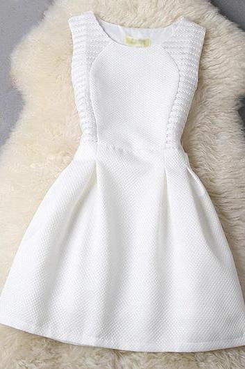 Hollow Out Sleeveless Round Neck A Line Dress - White