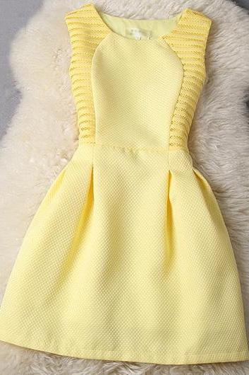 Hollow Out Sleeveless Round Neck A Line Dress - Yellow