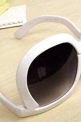 Leopard Unique Frame New White Fashion Sunglasses