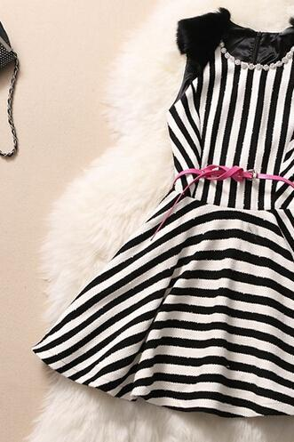 Black And White Striped Rabbit Hair Sleeveless Collar Drill Collar Cultivate One's Morality Dress