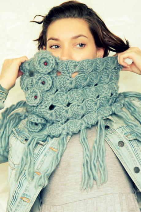 Broomstick Lace Crochet Cowl - Smoke Grey Blue Cowl - 100% Wool - Peacock's Eye Crochet