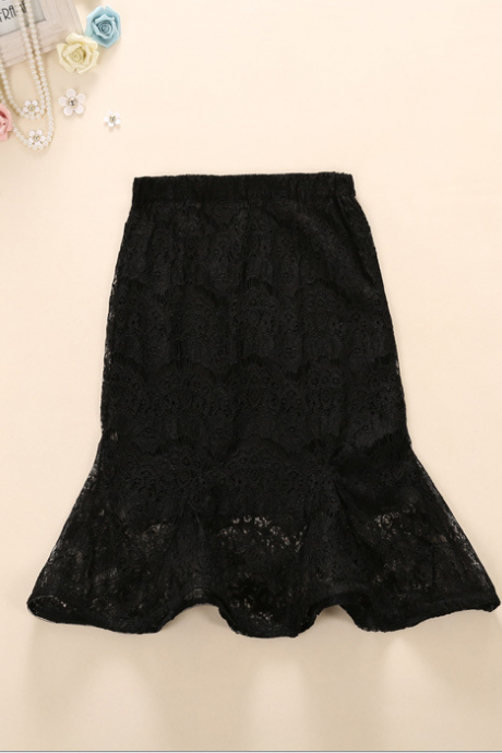 The new 2015 summer package buttocks fishtail skirts Black lace ruffled skirt of tall waist QSYE