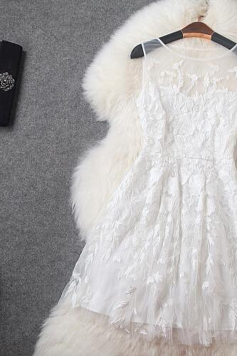 White Gauze Embroidery Cultivate One's Morality Dress Dress