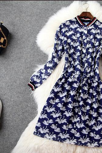 Swan Printing Nine Points Sleeve Cultivate One's Morality Silk Dress Dress