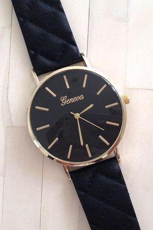 Exclusive design strap fashion black woman watch