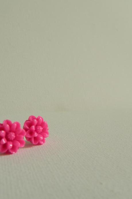 Bright Pink Daisy Cabachon Earrings