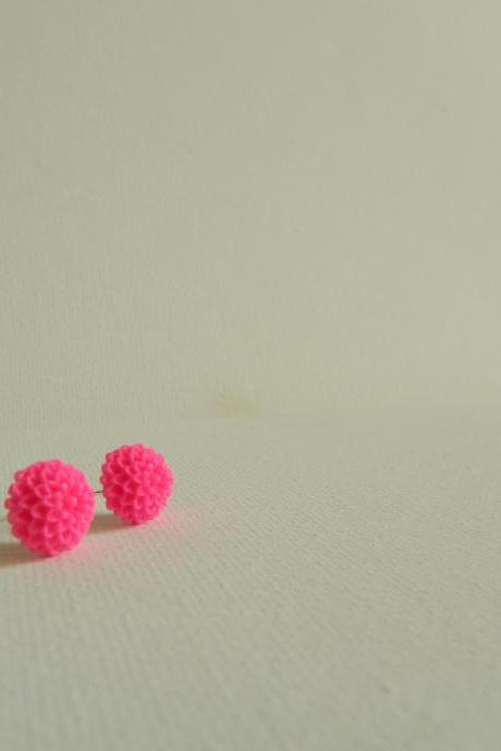 Bright Pink Mum Cabachon Earrings