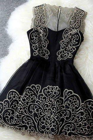 Pure Elegance Black And Gold Sleeveless Lace Party Dress