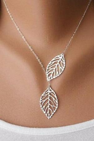 Simple Metal Double Leaf Pendant Alloy Choker Necklace Silver