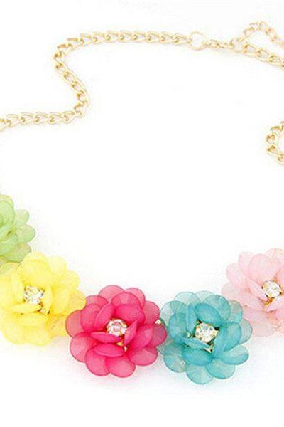 Fresh summer flowers woman colorful fashion neckalce