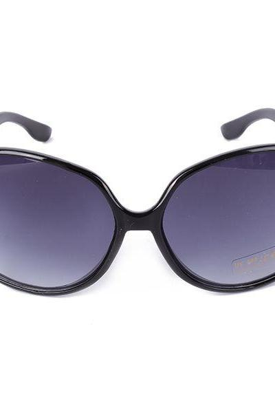 Hot summer accessory fashion black woman sunglasses