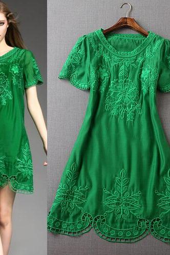 Fashion Embroidery Glass Yarn Dress