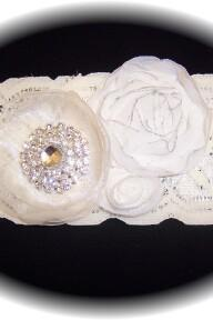 Soft Ivory Lace Wedding Garter 515