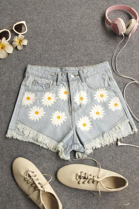 Floral Print Denim Shorts with Frayed Hem