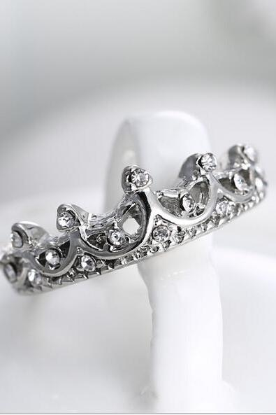 Crown Tiara Ring