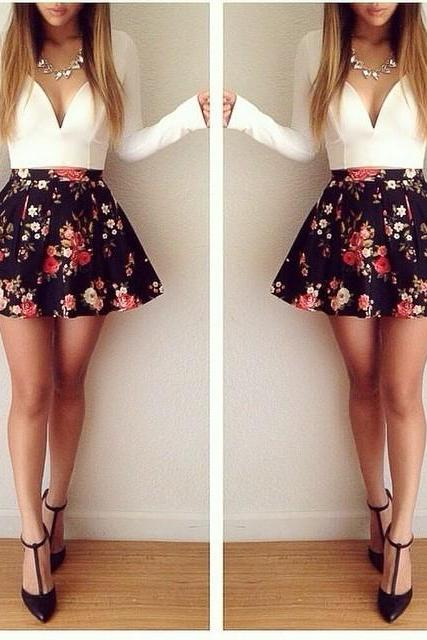 Long-Sleeved Low-Cut Floral Mini Dress