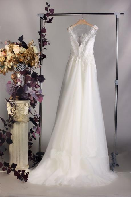 2015 High Quality Lace Wedding dress, Bateau Neck Bridal gown, Simple Wedding gown, A-line wedding dress