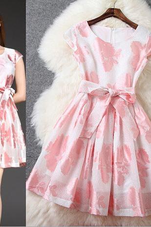 Fashionable Elegance Printed Pink Dress