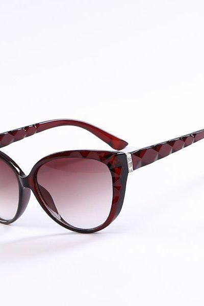 Cat eye wave frame sun protector brown frame sunglasses