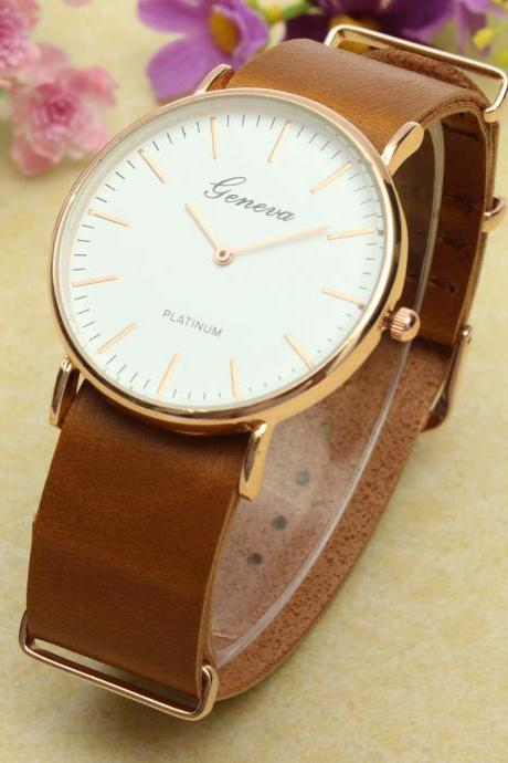 simple watch, light brown leather watch, leather watch, bracelet watch, vintage watch, retro watch, woman watch, lady watch, girl watch, unisex watch, AP00316