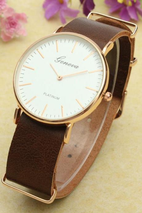 simple watch, dark brown leather watch, leather watch, bracelet watch, vintage watch, retro watch, woman watch, lady watch, girl watch, unisex watch, AP00317