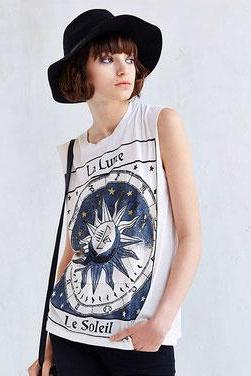 Round Neck Sleeveless Women T-Shirt