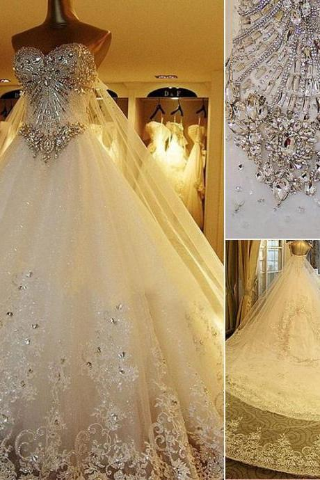 2015 Retro Luxury Wedding Gowns Bride Dresses Crystals Cathedral Wedding Dresses Veil Garden Wedding Bridal Gowns