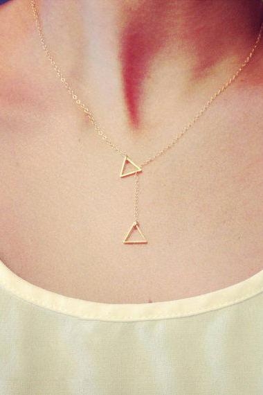 Elegant geometric Pattern Necklace