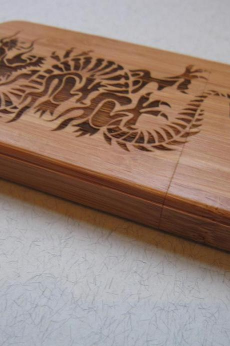 Iphone 4 case - wooden cases bamboo, cherry and walnut wood - Dragon - laser- engraved