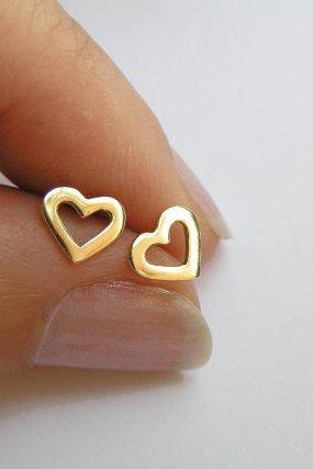 14k Gold Heart earrings - Solid Gold Studs - Small Heart Earrings