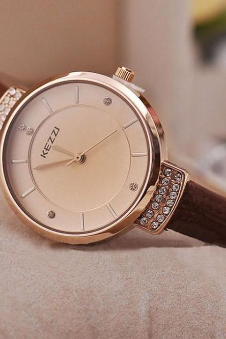 Lady fashion Pu leather thin brown strap woman watch