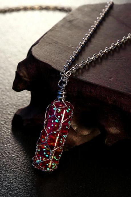 Pretty Cylindrical Luminous Necklace Glow In The Dark Crystal Necklace Pendant HOT Jewelry-MSP0012