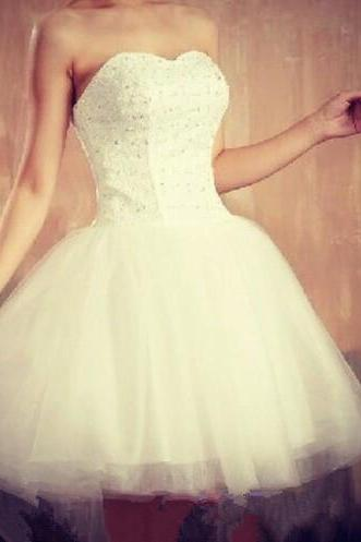 White Homecoming Dress, Short Prom Gown ,Tulle Homecoming Gowns ,Ball Gown Party Dress ,Short Prom Dresses ,Beaded Formal Dress For Teens