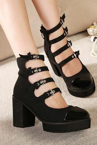 Vintage Style Strappy Black Chunky Heel Shoes