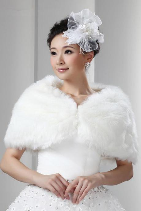 White Artificial Fur Fur Wrap Bridal Faux Fur Cape For Weddings