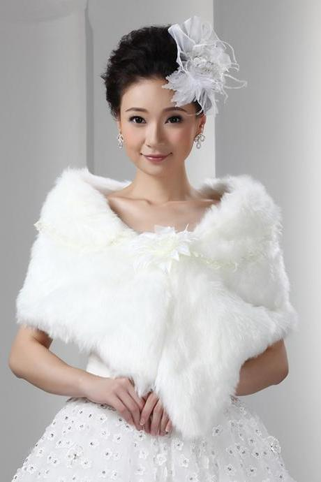 White Artificial Fur Wrap Bridal Faux Fur Cape For Wedding Women Winter Wear