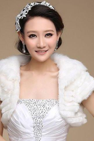 Classic White/Ivory Faux Fur Shrug Shawl Wrap Bridal Cape Winter Wedding Stole