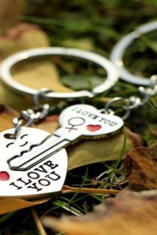 Key Chain Love Heart Shape and Key Gift Set