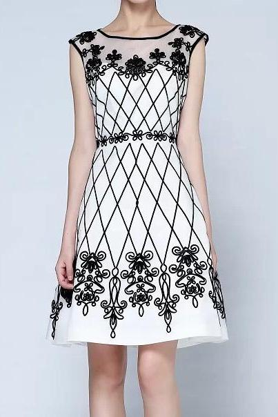 Embroidered Dress In Black And White