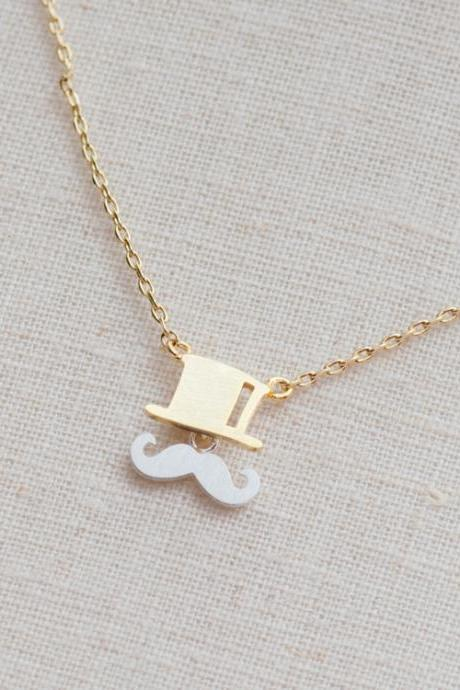 Mustache and top hat necklace in gold