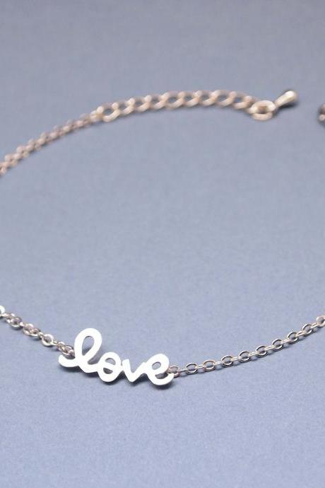 "So cute ""LOVE"" Bracelet in Silver"
