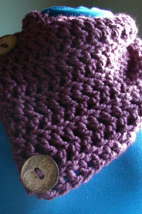 Le Petite Saranac Coconut Button Chunky Cowl - Fig (purple)