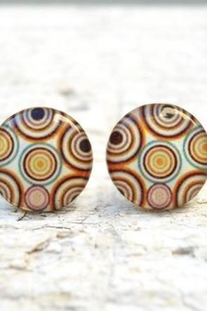 Geometric Circle Ear Studs Post in Shades of Brown
