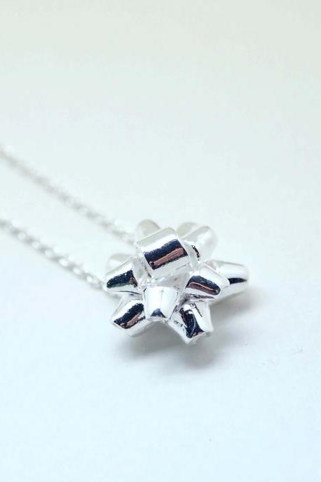 Gift Wrapping Bow Necklace in silver