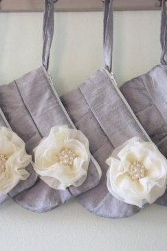 Set of 4 Bridesmaid Clutch - Grey / Silver hidden Wristlet Clutch - Perfect Bridesmaid Gift (available in all colours)