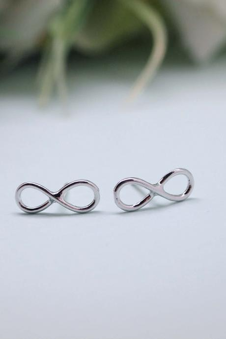 Infinity Stud earrings in silver