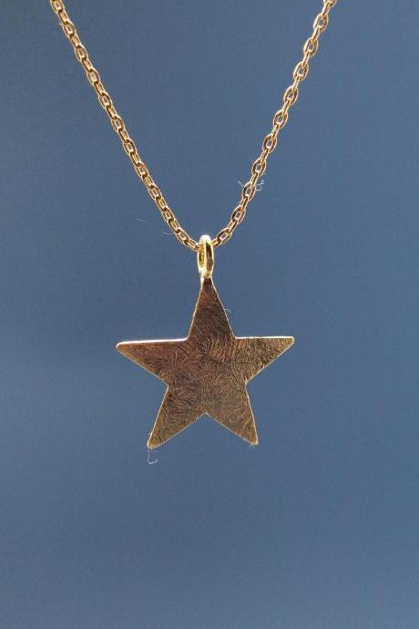 Brushed Chunky Star Necklace in Gold