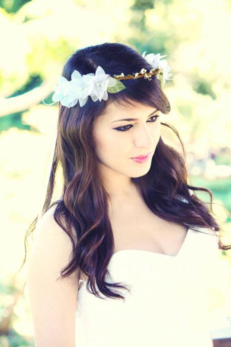 woodland wedding crown, bridal hair crown, woodland hair crown, flower hair crown, white bridal flower