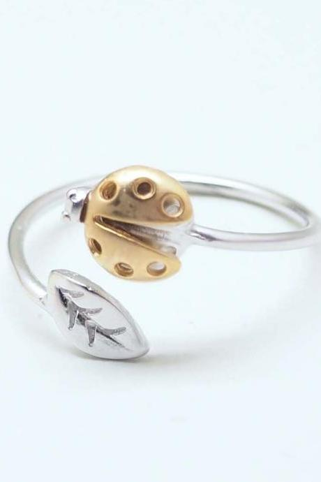 LadyBug and tiny leaf ring in silver - Adjustable Ring